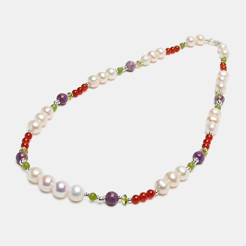 collar de perlas de rio con tramos de otras piedras, ágatas,olivino y fososiderita
